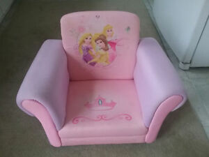 Princess Upholstered Chair. West Island Greater Montréal image 1