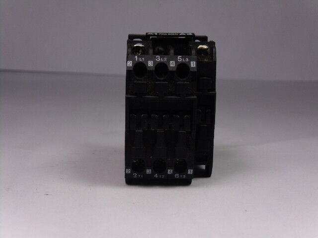 Danfoss Type CI9 Auxiliary Contactor 16Amp 600VAC 110VAC Coil  USED