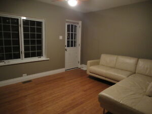 Large 1 Bedroom Apt near Tunney's Pasture and Transit Way