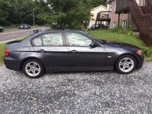 BMW 328i   2008 automatique IMPECCABLE !!!