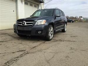 2010Mercedes GLK350 4matic,Parktronics,New Tires,Dealer Maintain