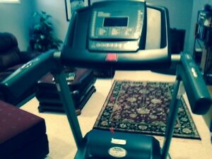 Power First 970 Treadmill