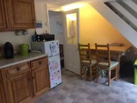 2 bedroom Cottage in beautiful village of Liddington for rent