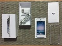 LIKE NEW_iPhone 5 / 16 Gb - With Rogers