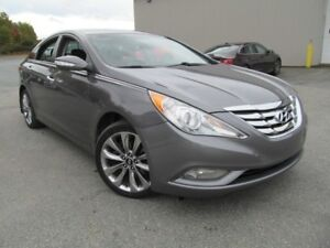 2011 Hyundai Sonata Limited 2.0T - Leather / Sunroof