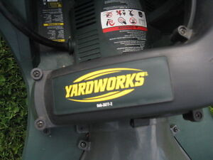 Yardworks Electric Lawn Vac/Chipper Kawartha Lakes Peterborough Area image 6
