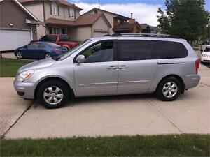"2008 Hyundai Entourage  GLS   ""We Finance! Pay direct-No banks"""