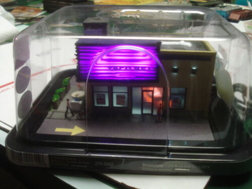 Taco Bell drivein Detailed lite w figures1/87 scale HO model train scenery