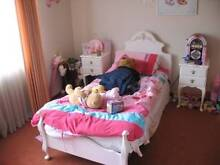 Vintage Queen Anne Bedroom Setting (Complete) Eleebana Lake Macquarie Area Preview