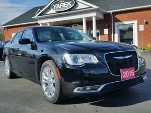 2016 Chrysler 300 Touring AWD, Leather Heated Seats, Pano Roof,