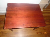 MAGNIFIQUE TABLE BASSE MADE IN CANADA