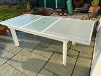 Fantastic Extendable Garden Table in White