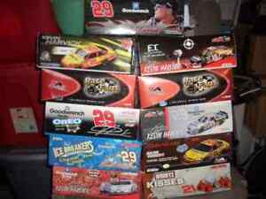 Nascar Diecast Kevin Harvick 1-24 scale box # 5