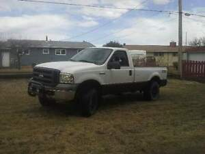 2005 Ford F-250 XL FX4 Pickup Truck