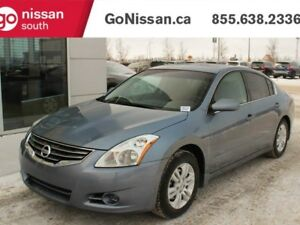 2011 Nissan Altima 2.5 S: SUNROOF, HEATED SEATS, LOW KMS!