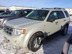 2008 Ford Escape XLT AWD. AUCTION SALE SUNDAY AT 1:00!