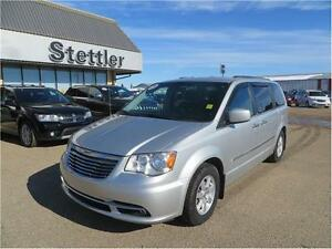 2012 Chrysler Town & Country Touring COMMAND START! SUNROOF!