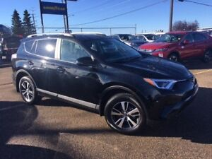 2018 TOYOTA RAV4  LE  AWD .....only $28888 or $199 biwkly OAC