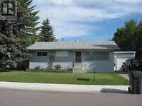 3 Bedroom House for Rent in Pincher Creek, Available Oct 1st!!!!