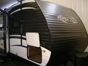 2018 Aspen Trail 23 foot bunk bed  trailer with slideout U seat