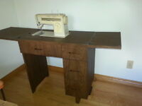 Singer Sewing Machine & Table / Cabinet