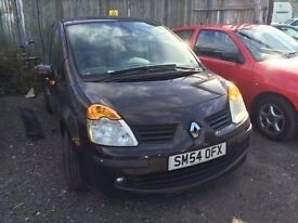 2004 Renault Modus, starts and drives but has a slight misfire therefore being sold as spares or rep