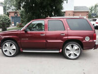2002 RED Cadillac Escalade with 24'' rims Clean!!!! Look!!!!