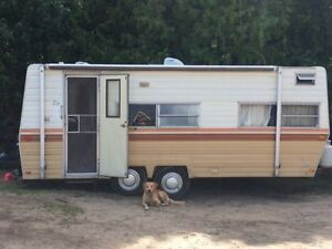 1979 Prowler 20ft Trailer Sleeps 6