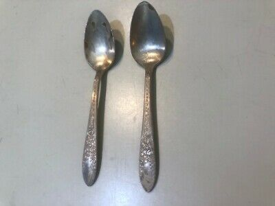 """National Silver Co /""""ROSE and LEAF/"""" 1937 silverplate Lot of 2 Teaspoons 6/"""""""