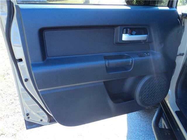 Image 11 Voiture American used Toyota FJ Cruiser 2013