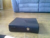 xbox 360 no problems few scratches no HDMI comes with original box and controller