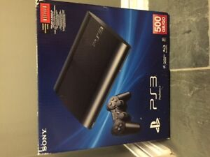 500 GB PS3 consol w/ 2 wireless controllers