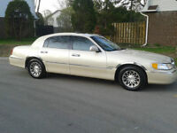 *IMMPECCABLE*2002 Lincoln Town Car *CARTIER EDITION*-150,000KM