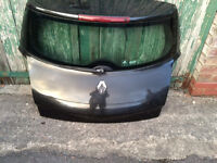 renault megane tailgate / boot lid with glass