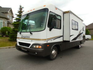 2005  Forest River Georgetown 308 DS  / 2 Slides/Generator