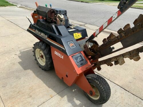 Ditch Witch 1820 Trencher Only 436 Hours with Honda GX 610 18HP Engine