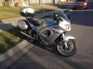 **PRICED TO SELL!!** 2003 Triumph Sprint ST 955i