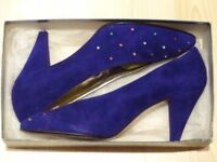 Italian-made purple suede shoes with leather soles, size 39.5
