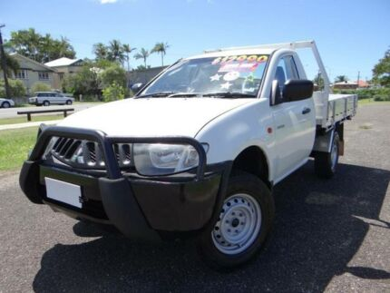 2006 Mitsubishi Triton ML GLX (4x4) White 5 Speed Manual 4x4 Cab Chassis Bungalow Cairns City Preview