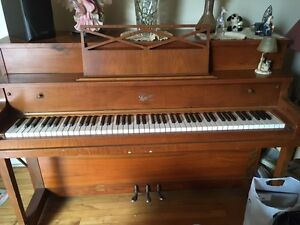 Piano Langelier. Must sell by end of May 2017