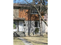 Gorgeous Townhouse Unit in Fort Garry Area - HOT BUY!