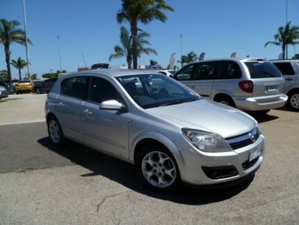 2006 Holden Astra AH MY06 CDX Silver 5 Speed Manual Hatchback