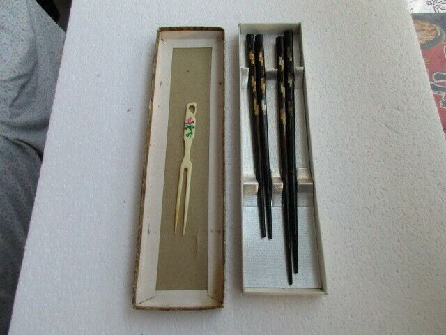 """Vintage Japanese Chopsticks Lacquered Wood Abalone Inlay 7.75"""" and 9"""" Set of 2"""