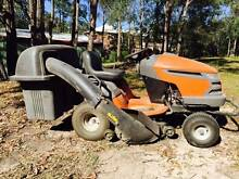 YTH2042 Husqvarna Ride On Mower with Catcher and Trailer Mackenzie Brisbane South East Preview