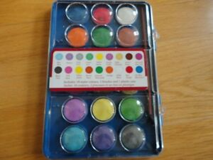 Watercolours Set and paintbrush - Like new condition London Ontario image 3