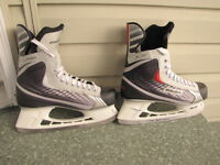 MEN'S BAUER SKATES, SIZE 12, BRAND NEW