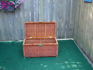 Wicker hope chest