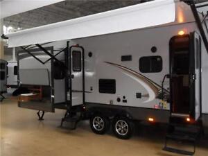 NEW 2015 35 FT CROSSROADS MAPLE COUNTRY 34 BHFW 5TH WHEEL.