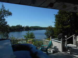 LABOUR DAY WEEKEND- PRIVATE, LAKESIDE KAWARTHA COTTAGE