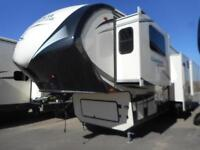 BEAUTIFUL 16 BROOKSTONE 375 FL WITH SPACIOUS FRONT LIVING!!